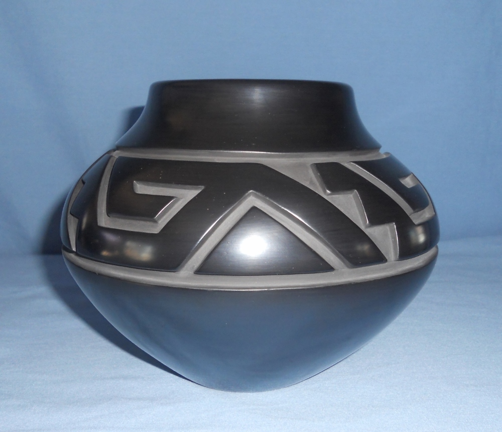 Black Traditional Jar