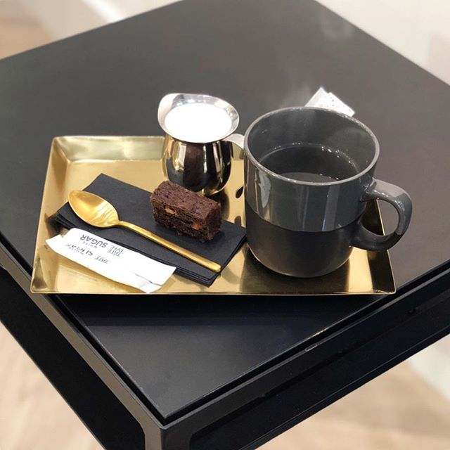A special treat to have my hair cut, coloured and styled at @_kc_studios in Nottinghill Thank you @kristinecimbule Just love this tea set and the extra pampering 🖤