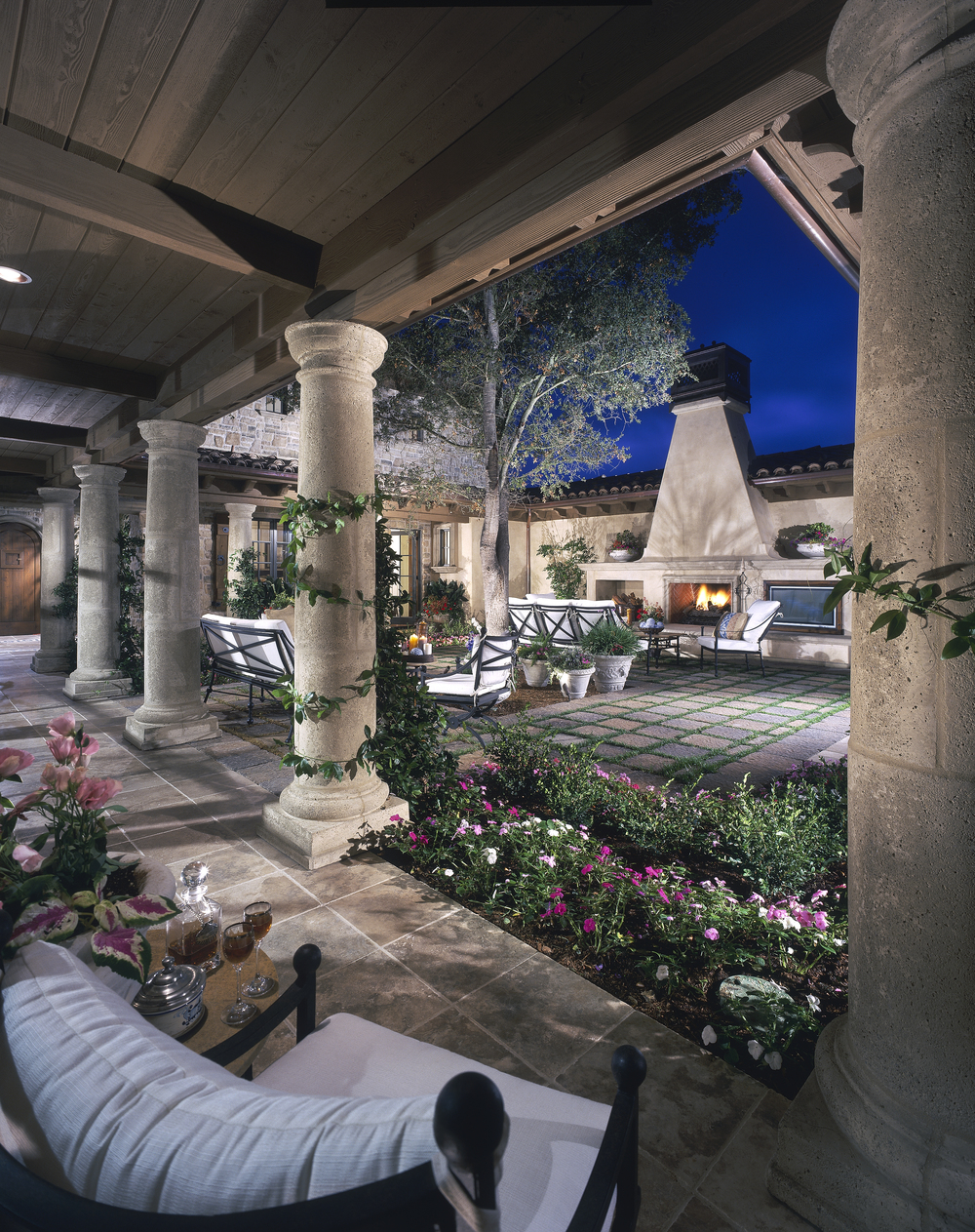 Residential Design Services - Pinnacle's residential design services are committed to providing the same attention to detail as our golf design services. From single family residential units to large multi-unit developments.Pools and SpasCustom BBQFire FeaturesWater FeaturesMWELO Calculations