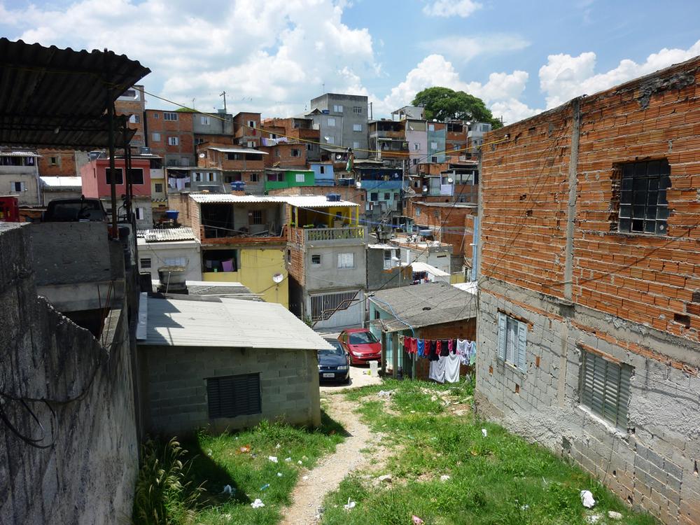 Inam-Vila_Rubi_favela-2014.jpg