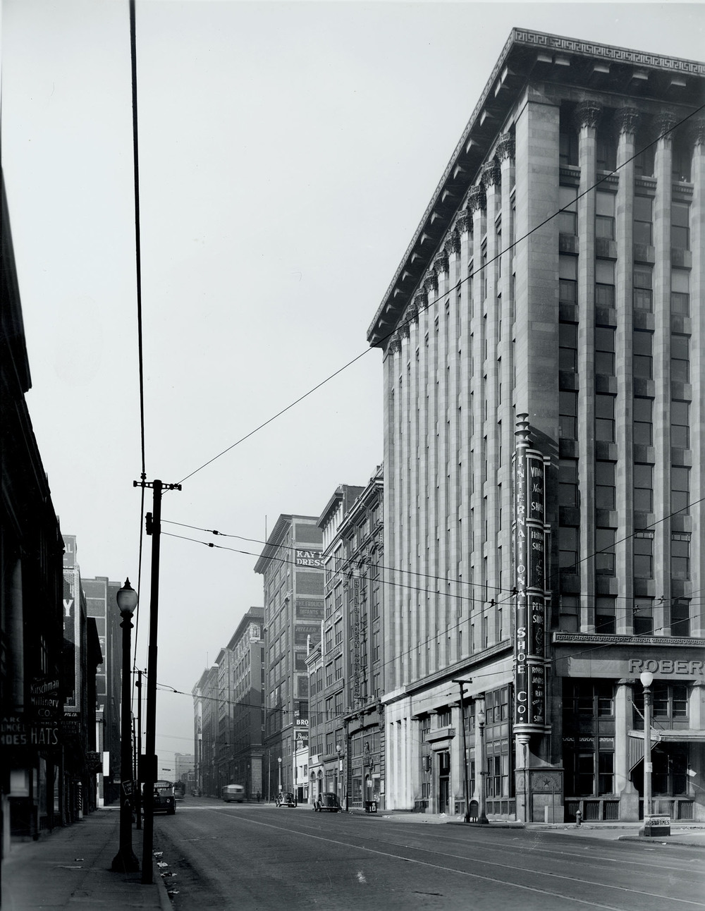 Much of Washington Avenue began to be abandoned after World War II, as industries declined and residents began to move from cities like St. Louis to the suburbs.  Source:  www.ArtLoftStLouis.com