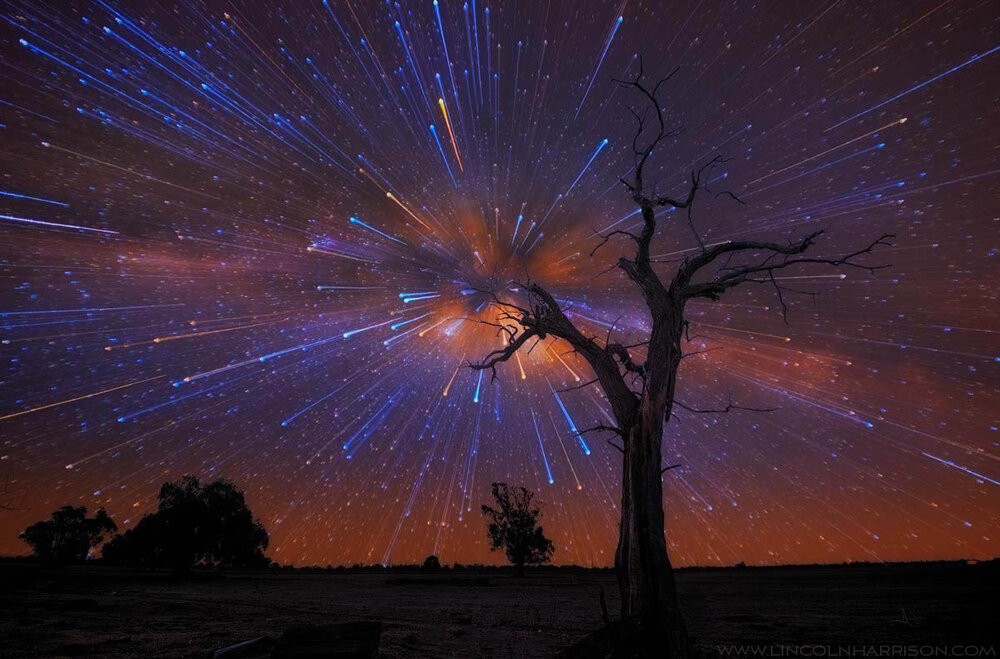 startrail zoom - star explosion