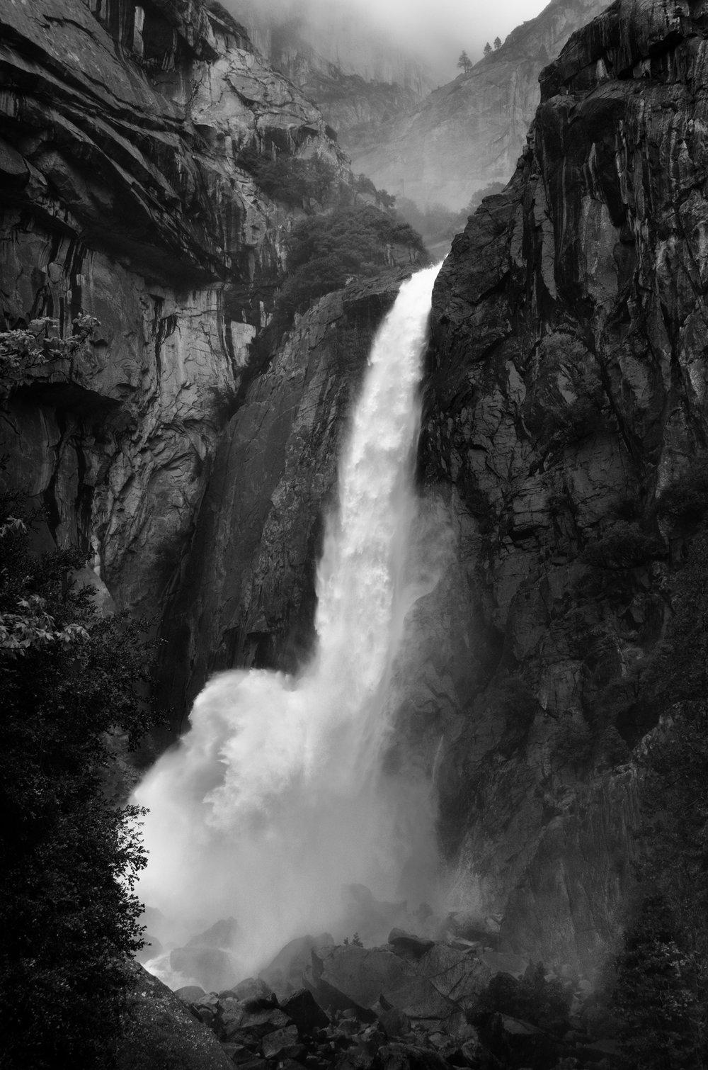 CA_YosemiteFalls_DSC_0453_v4_0406_300dpi.jpg
