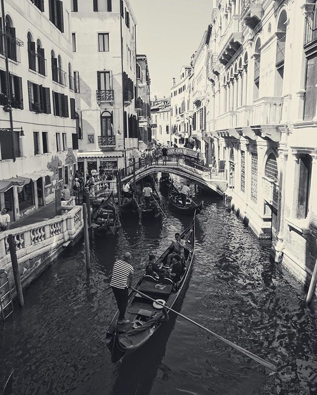 What if every city in the world was like this? #gondola #venice #Italy #travel