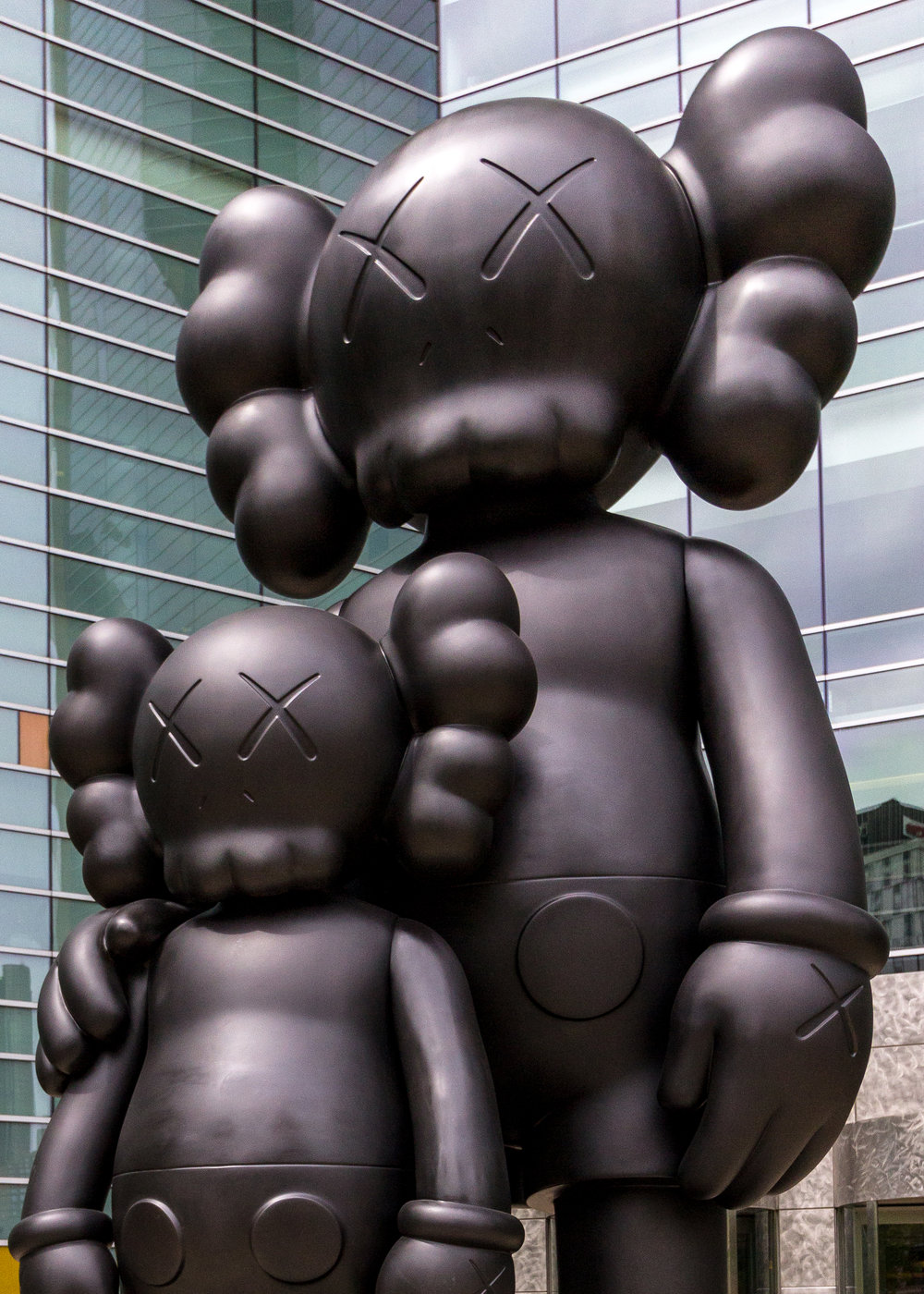 KAWS_WAITING_5.jpg