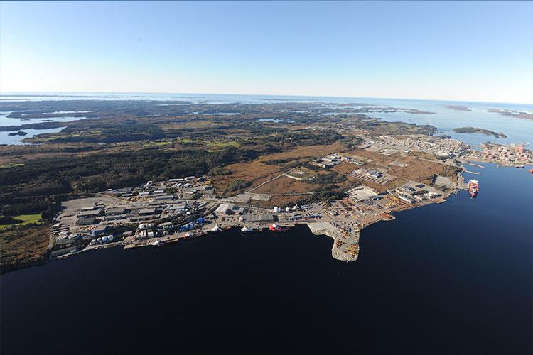 Oljeraffineriet på Mongstad. Foto:Dag Erik Hagesæter (C) Creative Commons