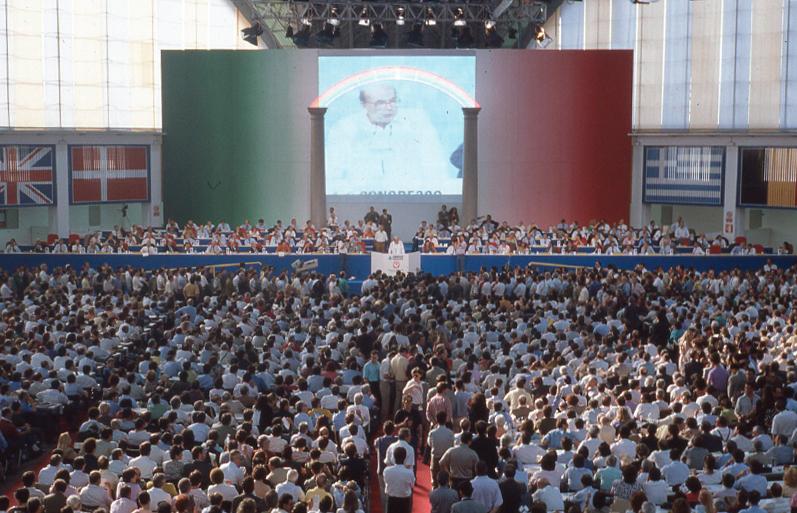PSI Bari congress in 1991.Image credit: Alberto Peruzzo Editore