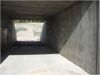 En nybygget gang og sykkeltunnel utenfor Sande i Vestfold, som venter på installasjon avbelysning. Foto: Camilla Helgesen.