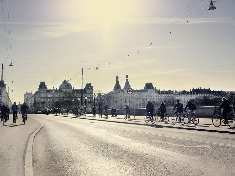 "Foto: ""Supercykelstier"" Bildet viser cykelsti på Dronning Louises Bro i København."