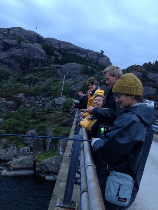 På Solund kan man fiske sin egen middag.