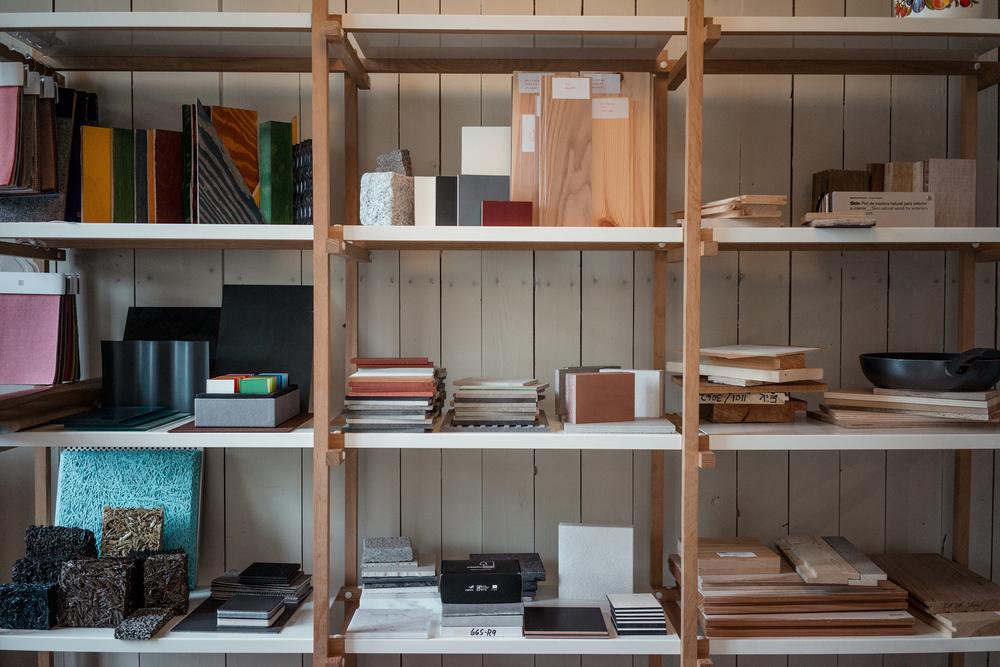 Foto: Christian Lycke  Detalj av kontoret til ERIKSEN SKAJAA Arkitekter