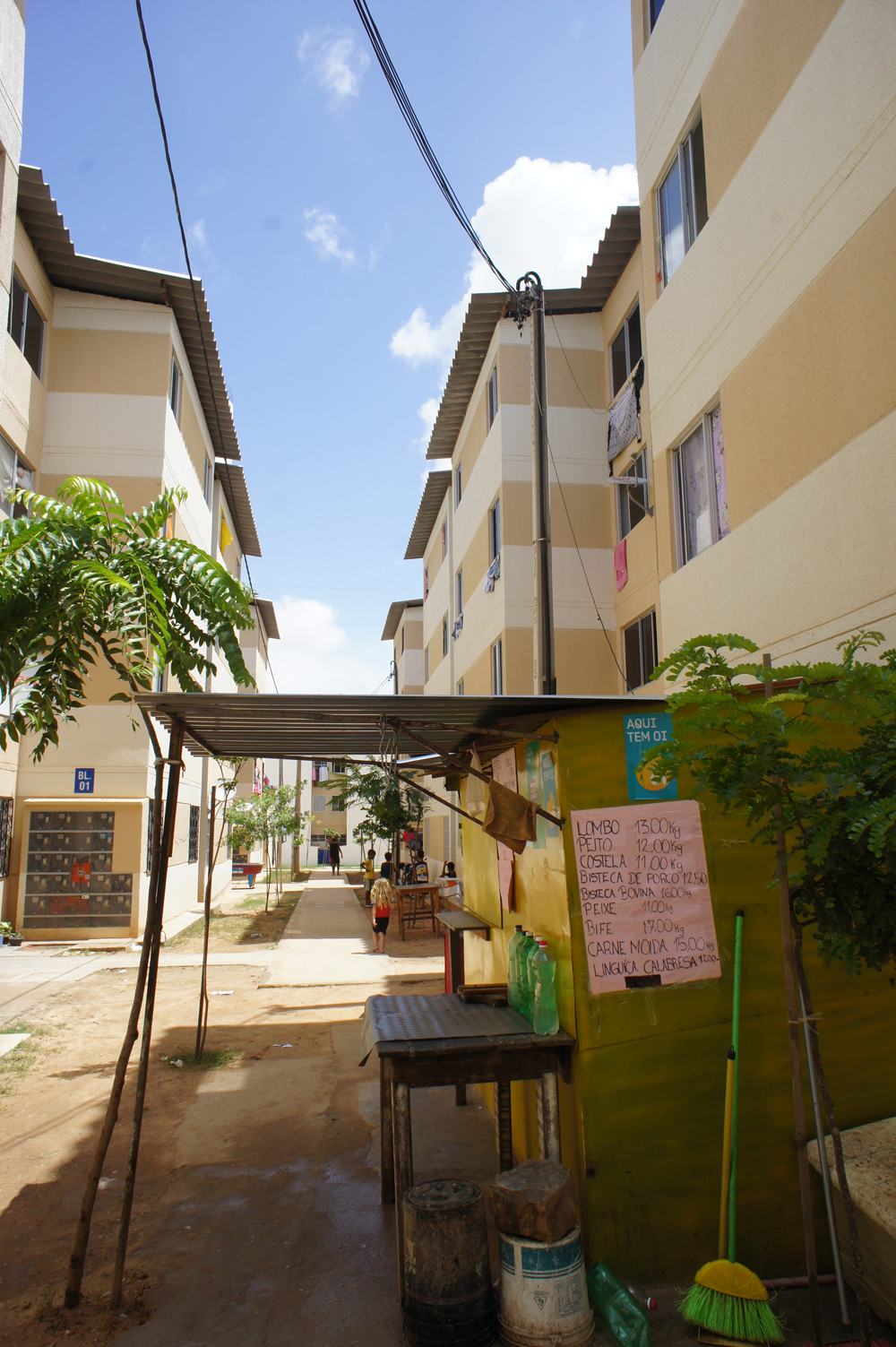 I Cidade Jardim finner du alt fra småbarer, frisører, kafé og butikker som beboerne selv drifter. Foto: Astrid Fadnes