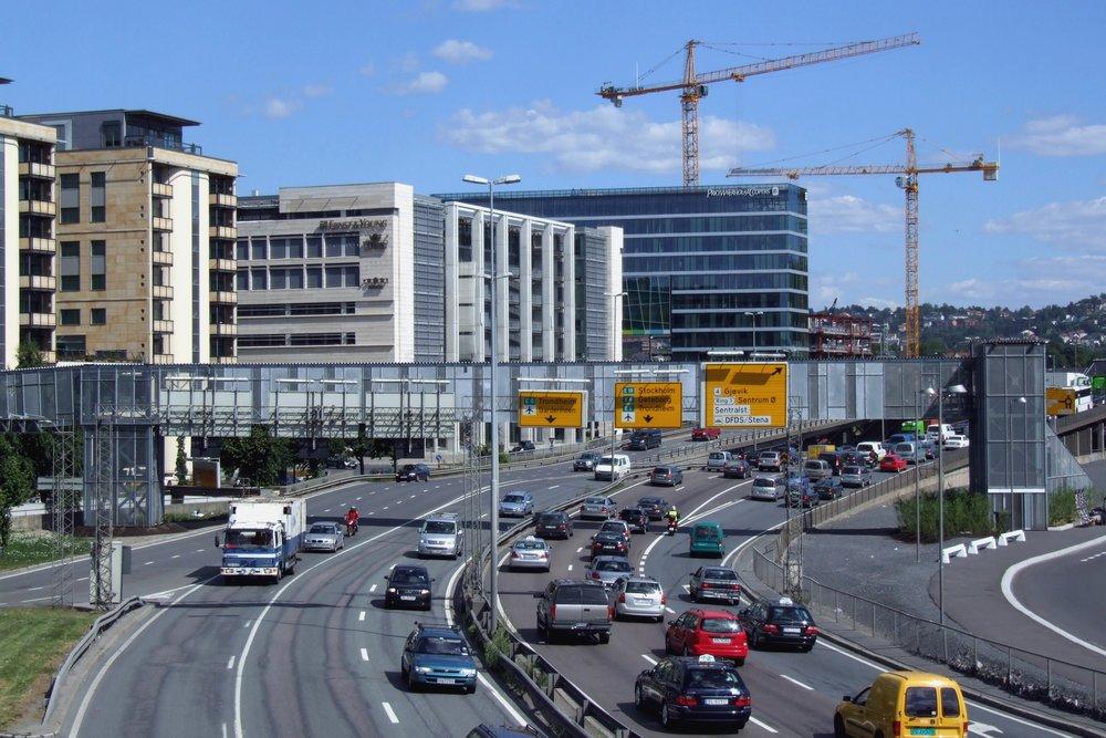 Mer motorvei, mer trafikk? Ja, sier ledende forskning. Gamle E18. Bilde: Creative Commons