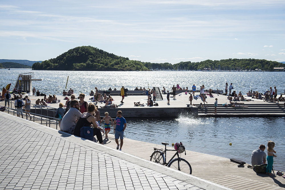 Sjøbadet på Sørenga fremheves ofte som et godt sted (Wikipedia commons)