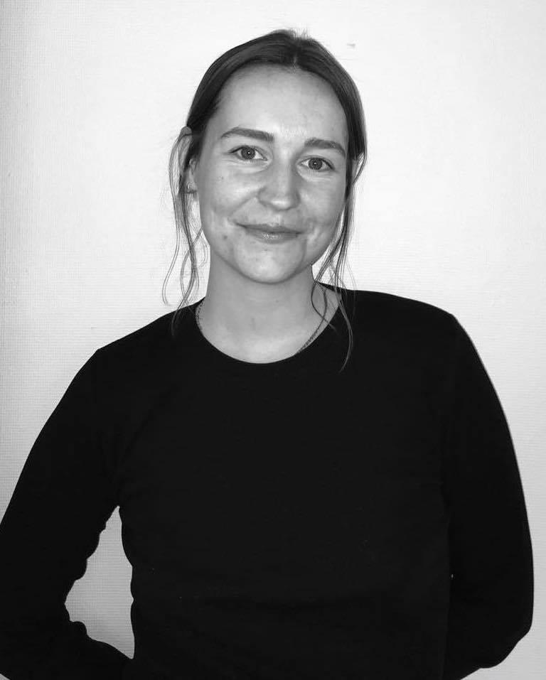 - Denne gangen har vi fått Siv Ruud Grønningen til å svare på vår questionnaire. Hun er bachelor i samfunnsgeografi ved UiO og nå master i by- og regionalplanlegning ved NMBU, hvor hun også jobber som forskningsassistent. Les om hennes masteroppgave som sammenligner passasjene Smalgangen og Stasjonsallmenningen i Oslo.