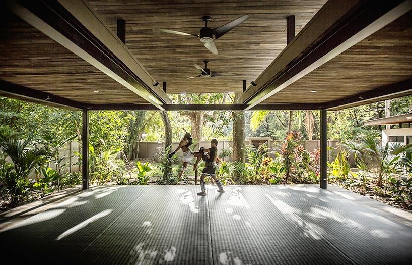 nalu-yoga-pavillion-studio-saxe-2.jpg