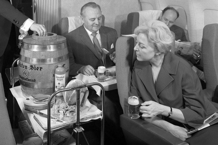Lufthansa Oktober keg runs are back!
