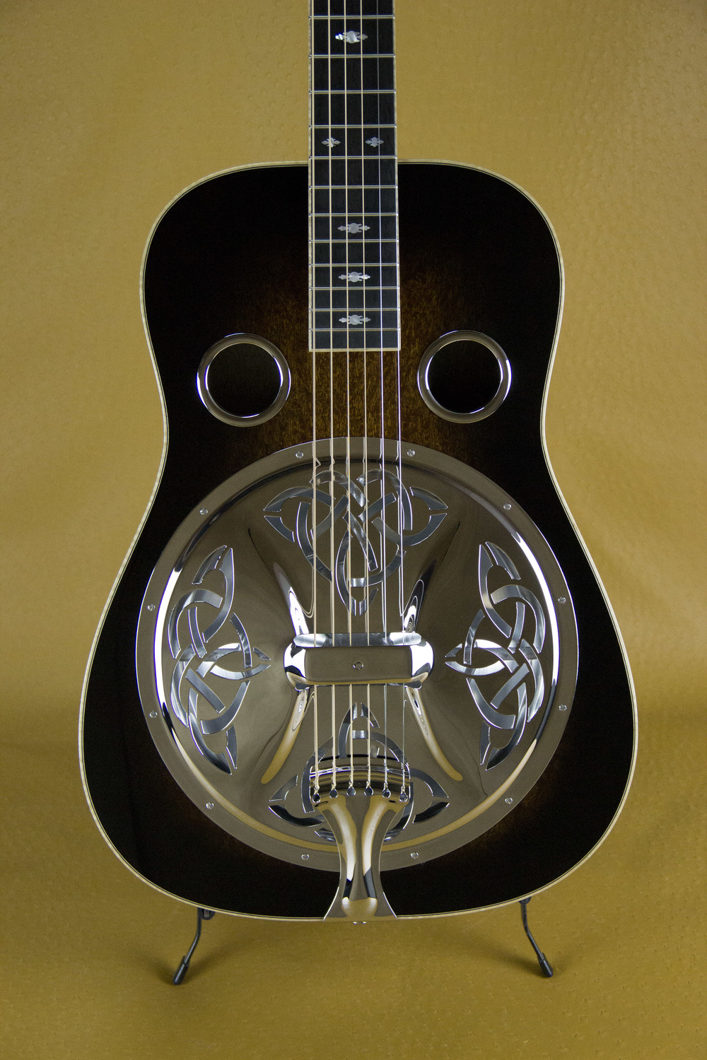 Celtic Knot™ Coverplate on Beard E Model
