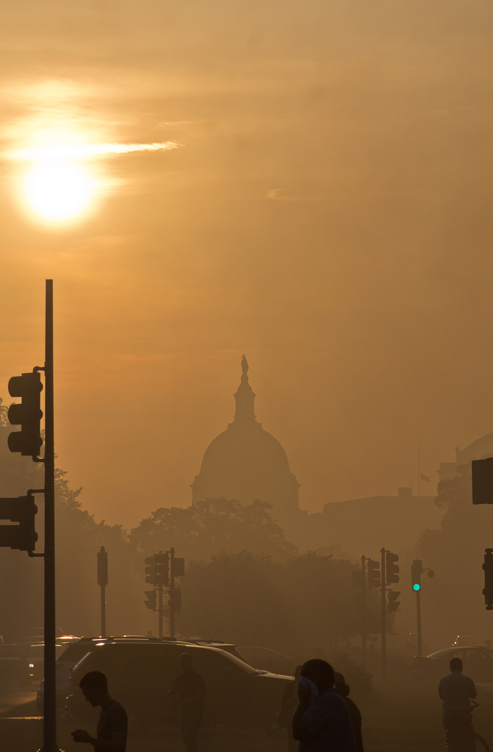 When  I first got off the metro at Eastern Market, the smoke was blowing right down Pennsylvania Avenue creating a smog like effect in between the Capitol and the fire.