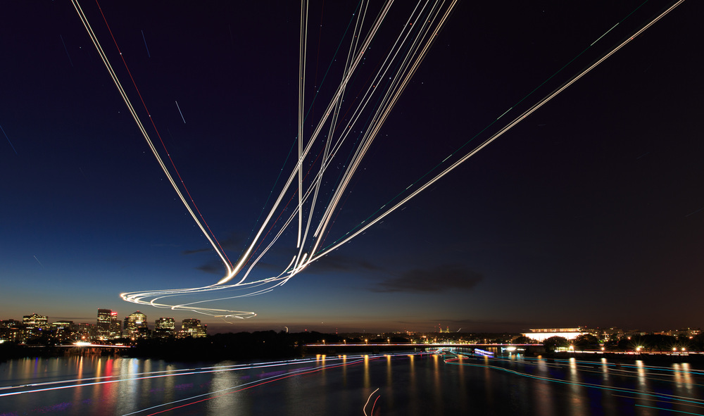 1_Andre_Mark Alan_Light Painting with Planes.jpg