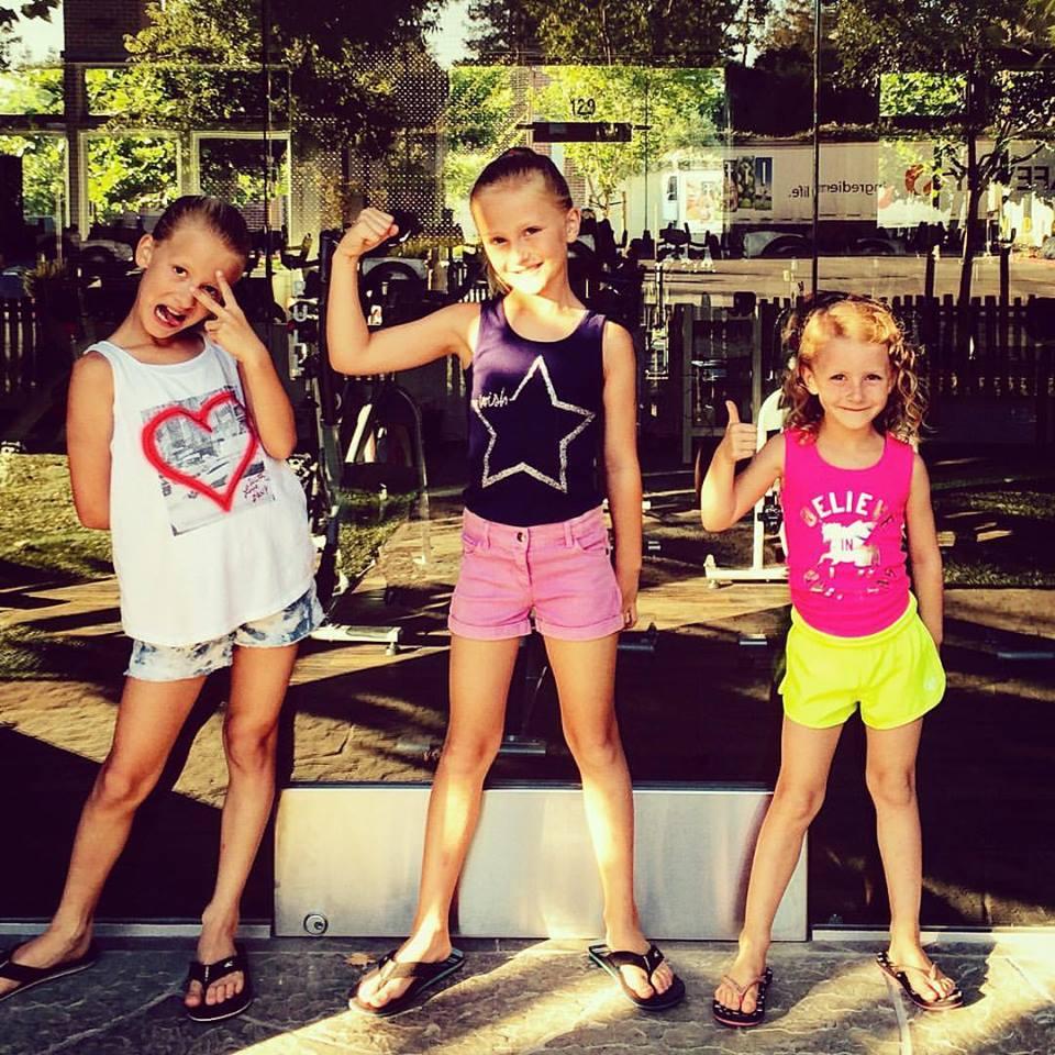 NICOLE'S GIRLS.jpg
