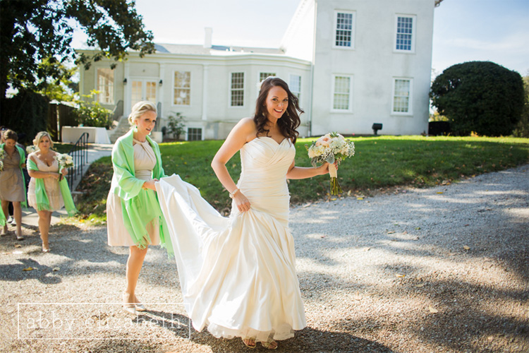 Crescent_Bend_Fall_Wedding_Knoxville_bride_walking.jpg