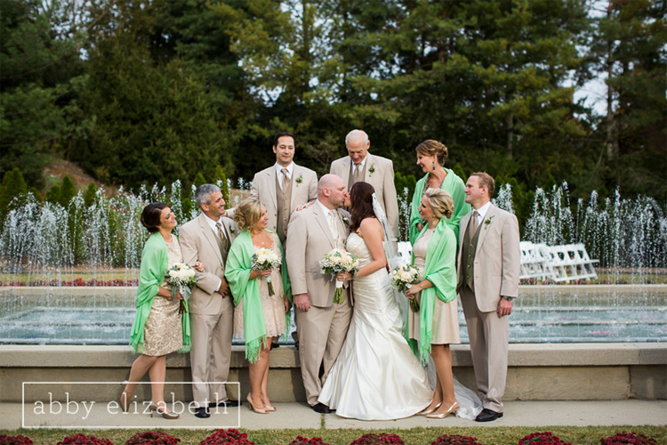 Crescent_Bend_Fall_Wedding_Knoxville_fountain_bridal_party.jpg