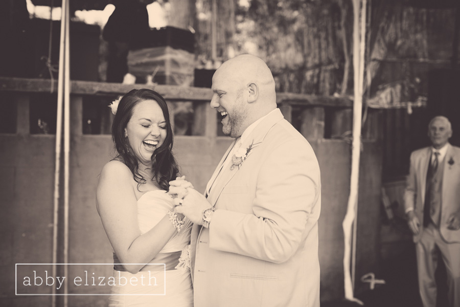 Crescent_Bend_Fall_Wedding_Knoxville_bride_groom_first_dance_happy.jpg