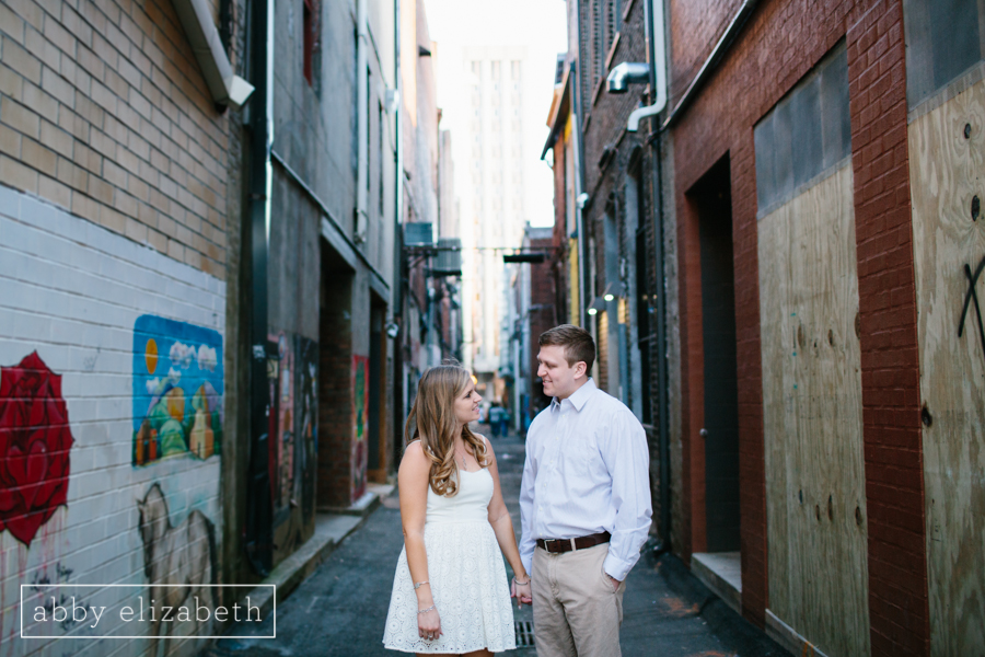 Knoxville_Engagement_Park_Downtown-13.jpg