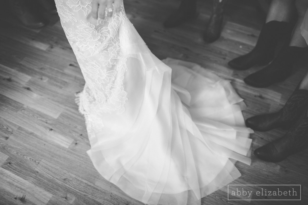 Abby_Elizabeth_Photograhy_Asheville_wedding_claxton_farms053.jpg