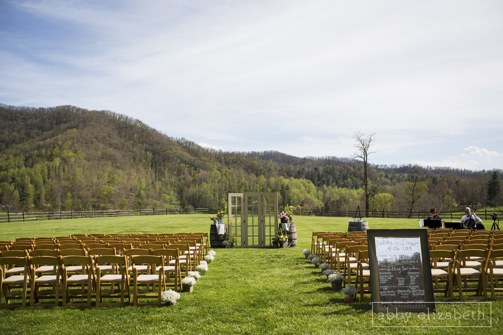 Abby_Elizabeth_Photograhy_Asheville_wedding_claxton_farms156.jpg