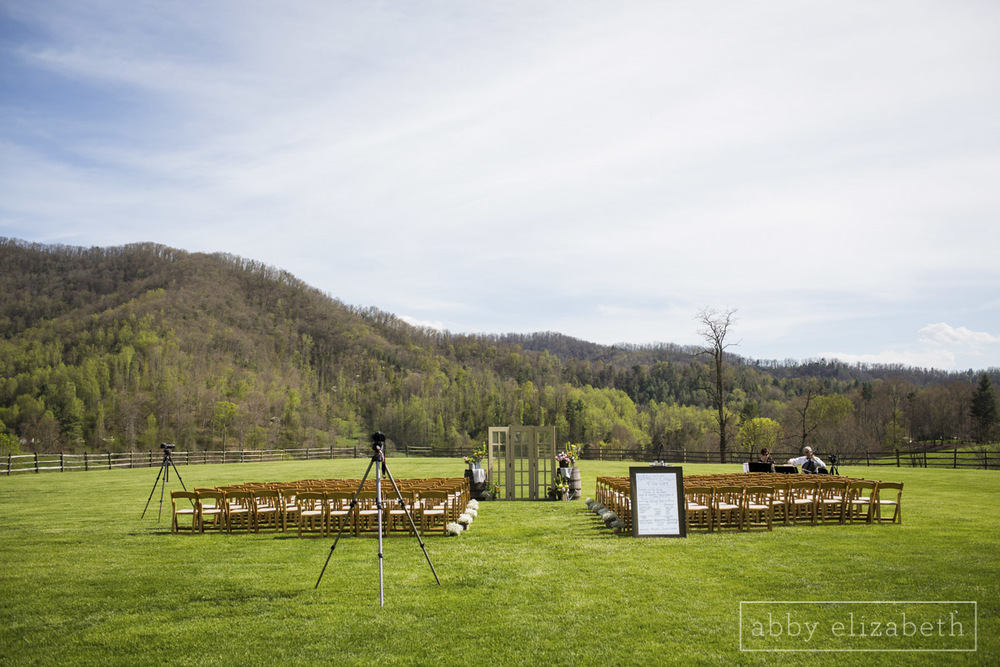 Abby_Elizabeth_Photograhy_Asheville_wedding_claxton_farms157.jpg