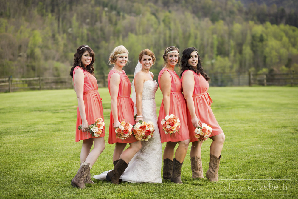 Abby_Elizabeth_Photograhy_Asheville_wedding_claxton_farms191.jpg