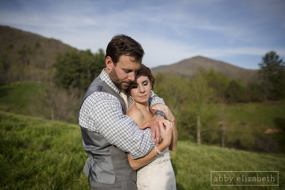 Abby_Elizabeth_Photograhy_Asheville_wedding_claxton_farms203.jpg