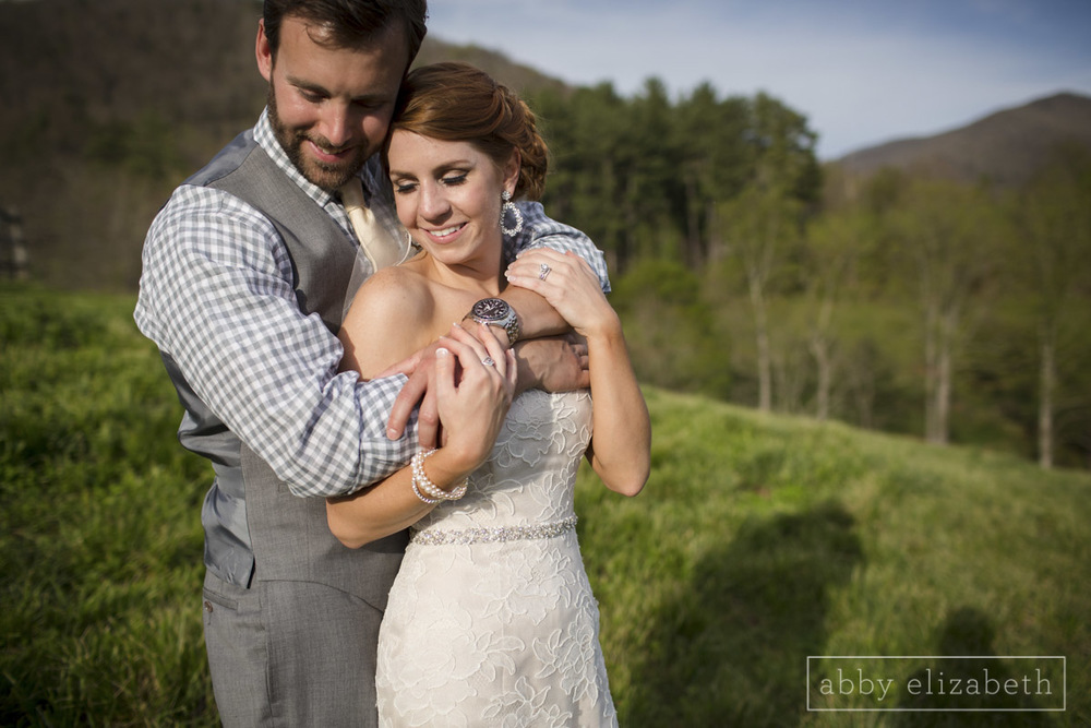 Abby_Elizabeth_Photograhy_Asheville_wedding_claxton_farms204.jpg
