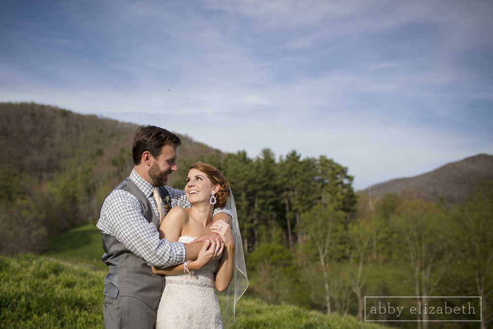 Abby_Elizabeth_Photograhy_Asheville_wedding_claxton_farms205.jpg