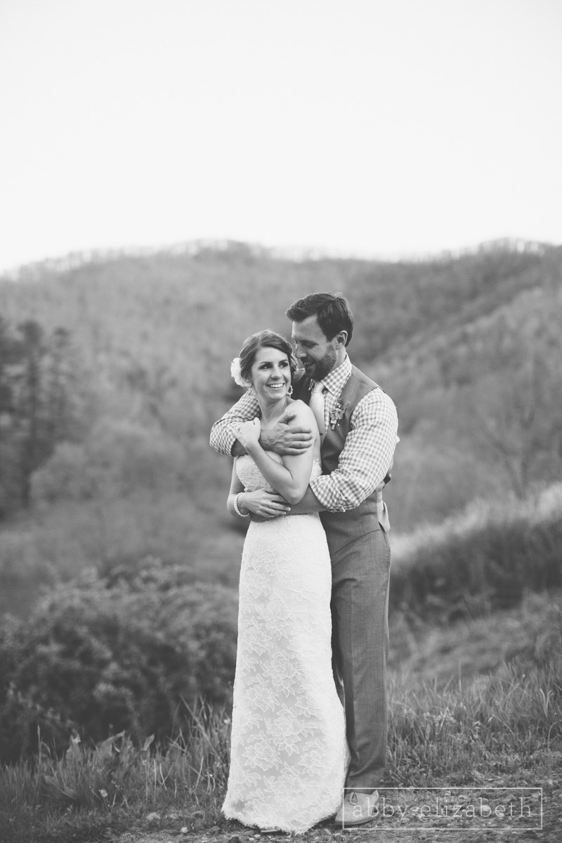 Abby_Elizabeth_Photograhy_Asheville_wedding_claxton_farms224.jpg