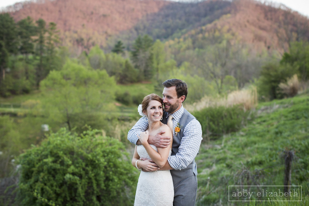 Abby_Elizabeth_Photograhy_Asheville_wedding_claxton_farms223.jpg