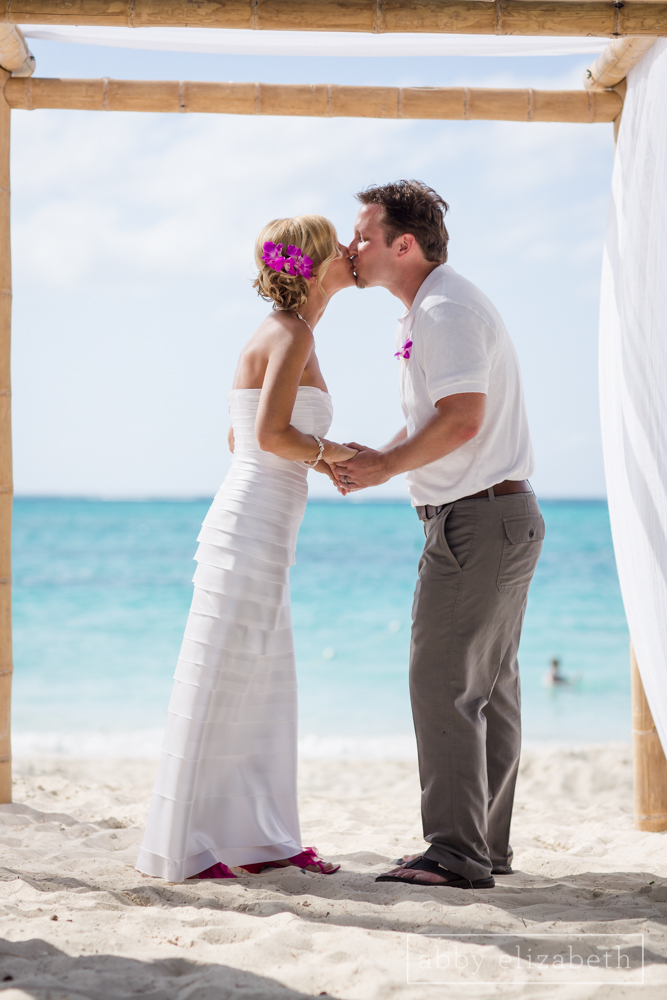 Turks_and_Caicos_Destination_Wedding_Abby_Elizabeth_Photography086.jpg
