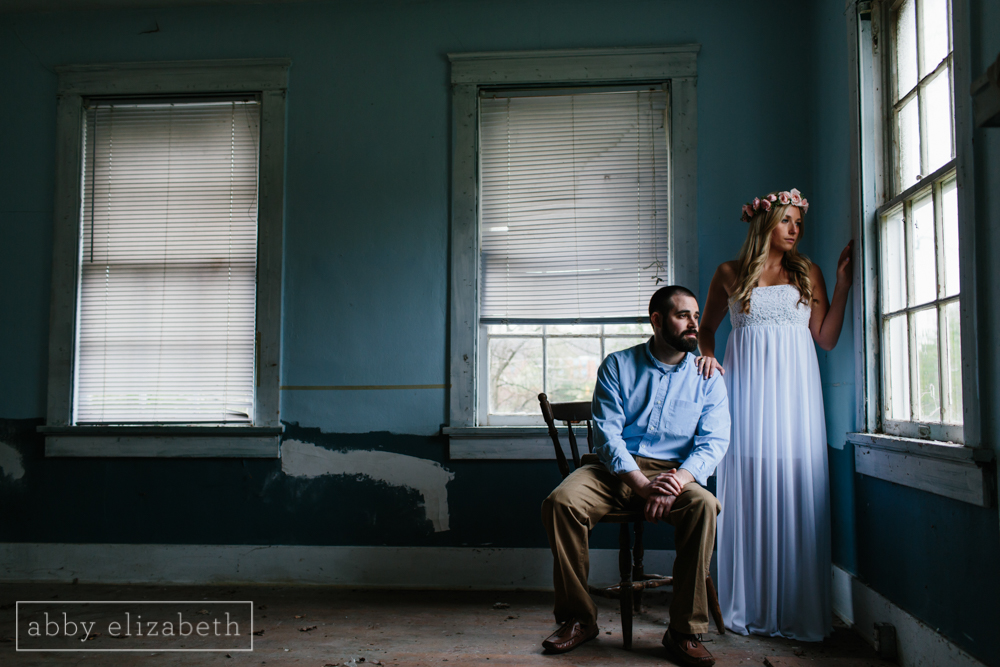 Knoxville_Engagement_Photography_Creative_Abandoned_House-16.jpg