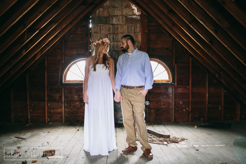 Knoxville_Engagement_Photography_Creative_Abandoned_House-33.jpg
