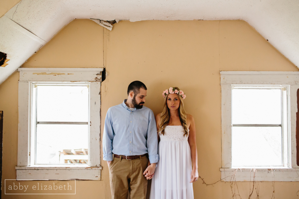 Knoxville_Engagement_Photography_Creative_Abandoned_House-35.jpg
