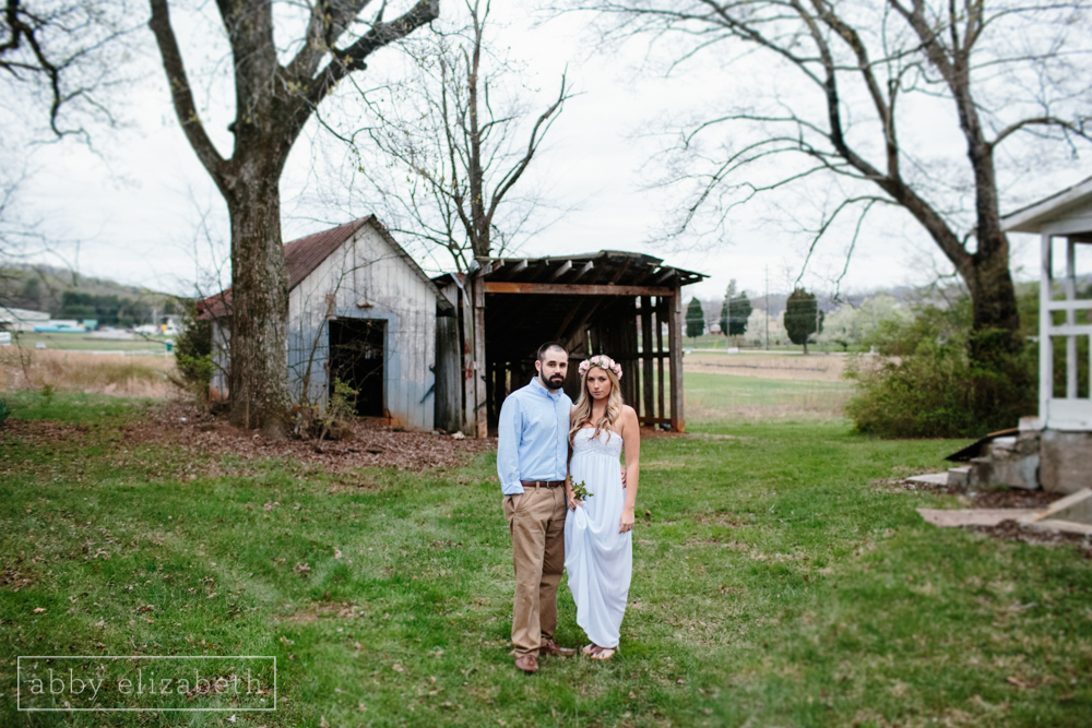 Knoxville_Engagement_Photography_Creative_Abandoned_House-55.jpg