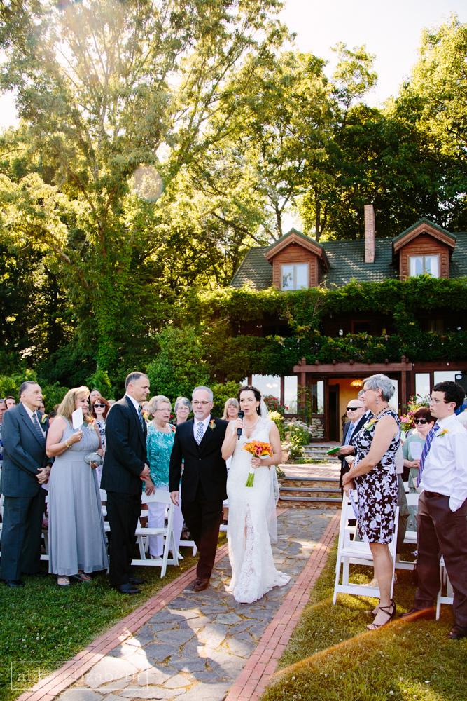 Storybrook_Farm_Wedding_Abby_Elizabeth_Photography095.jpg