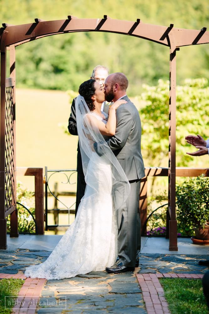 Storybrook_Farm_Wedding_Abby_Elizabeth_Photography102.jpg
