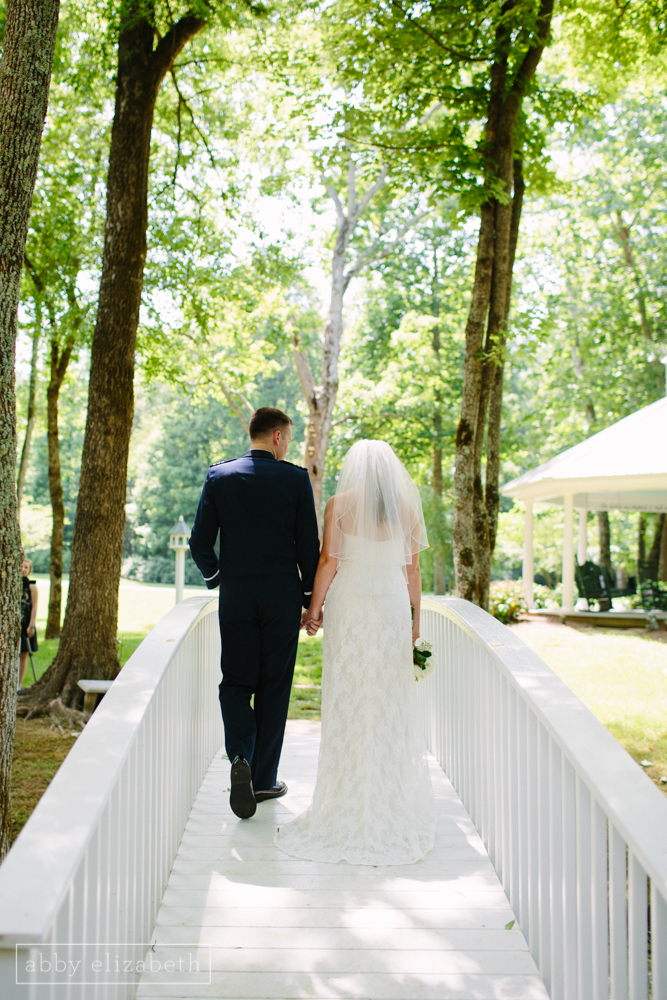 Knoxville_Backyard_Wedding_Abby_Elizabeth_Photography068.jpg