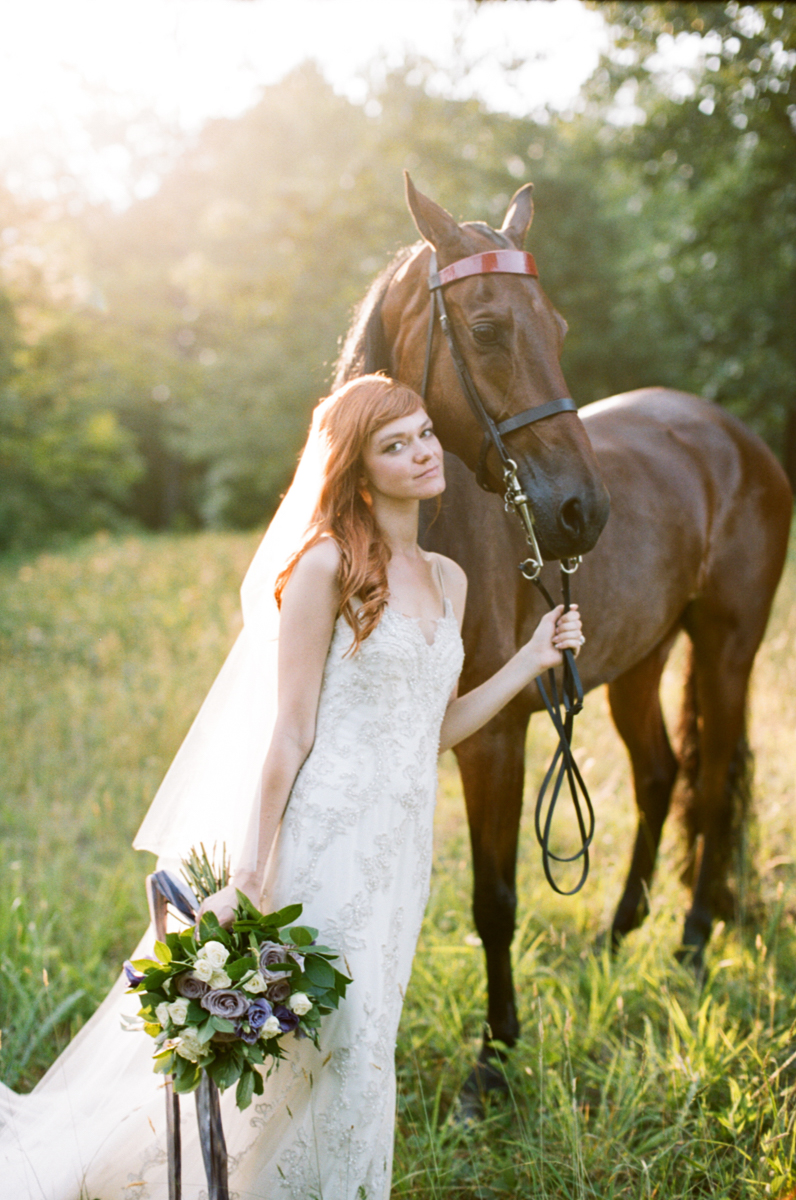 Abby_Elizabeth_Knoxville_Wedding_Photography_Horse_Boho_Bride_Bjorvala_Farms_red_Hair (9 of 63).jpg