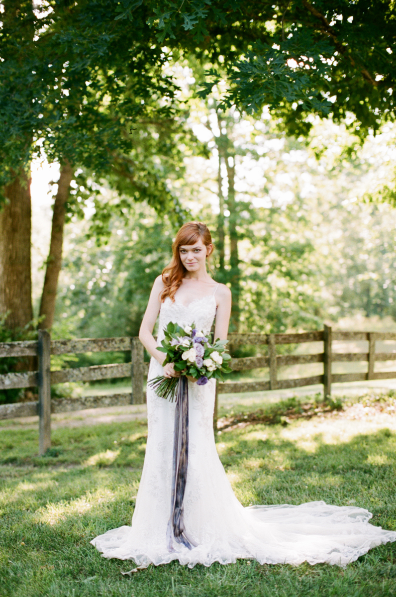 Abby_Elizabeth_Knoxville_Wedding_Photography_Horse_Boho_Bride_Bjorvala_Farms_red_Hair (11 of 63).jpg