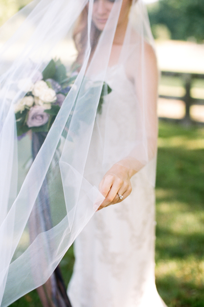 Abby_Elizabeth_Knoxville_Wedding_Photography_Horse_Boho_Bride_Bjorvala_Farms_red_Hair (15 of 63).jpg