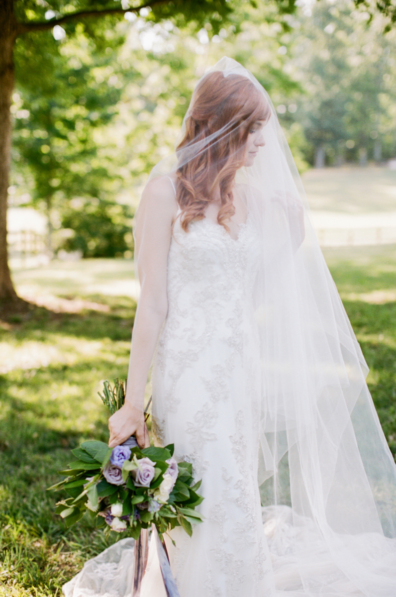 Abby_Elizabeth_Knoxville_Wedding_Photography_Horse_Boho_Bride_Bjorvala_Farms_red_Hair (18 of 63).jpg